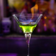 How To Master Molecular Mixology http://www.escoffieronline.com/how-to-master-molecular-mixology/