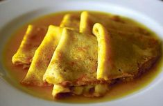 Crepes suzette | great dessert to spoil your guests. Looks spectacular – it is still flaming when you bring it to the table