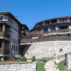 Старите къщи (Old houses), Bulgaria -  WiFi client satisfaction rank 2/10. Download 315 kbps, upload 842 kbps. rottenwifi.com