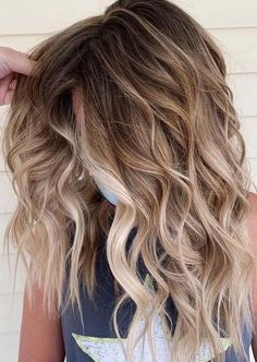 Wanna wear latest hair color shades for coolest hair looks in the whole crowd? We are going to provide you here stunning ideas of salted caramel balayage hair colors and hair styles ideas especially to give you unique and sexy hair looks. This is really fantastic hair colors for girls in these days.