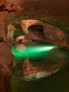 Jenolan Caves   Blue Mountain World Heritage Area   NSW   Australia