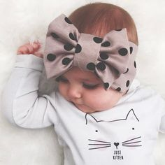 Baby girl names 2014 sit delicately onto the chic and trendy urban landscape. These cool baby names for girls are sleek and hip to the core! Baby Girl Names, My Baby Girl, Our Baby, Headband Bebe, Headbands, Baby Girl Fashion, Kids Fashion, Little Babies, Cute Babies