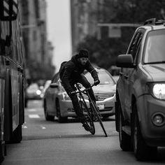 New fixie bike hipster bicycles Ideas Urban Cycling, Urban Bike, Photo Velo, Range Velo, Bike Messenger, Velo Vintage, Fixed Gear Bicycle, Track Bicycle, Bike Style