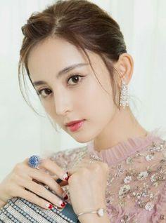 Sexy Asian Girls, Beautiful Asian Girls, Asian Angels, Face Hair, Poses, Sweet Girls, Bellisima, Pretty People, Asian Beauty