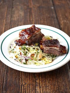 Jamie's Oliver's beef short ribs recipe is simple yet delicious: these incredible, sticky, melt-in-your-mouth BBQ ribs are a real show stopper! Just don't forget the napkins… Bbq Beef Short Ribs, Beef Ribs, Beef Steak, Rib Recipes, Cooking Recipes, Seafood Recipes, Recipies, Jamie Oliver, Along The Way