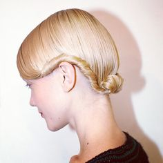 Perfect roll-up for short hair