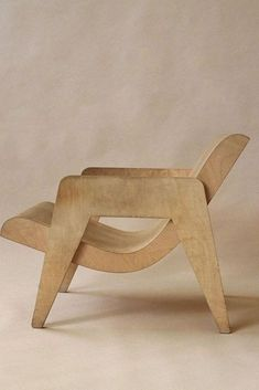 Nick Goldfinger – Plywood armchair, This remake was originally designed in 1937 by his grandfather Ernö Goldfinger Modern Chairs, Modern Furniture, Home Furniture, Furniture Design, Modern Chair Design, Wood Chair Design, Futuristic Furniture, Diy Chair, Sofa Chair