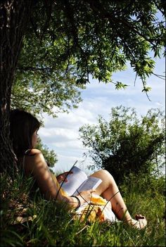 My quiet place photography girl outdoors nature trees book reading summer aesthetic Foto Instagram, Belle Photo, Photography Poses, Nature Photography, Summer Photography, Hippie Photography, Nostalgia Photography, Shadow Photography, Woman Photography