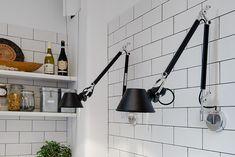 точечные настенные торшеры на кухне