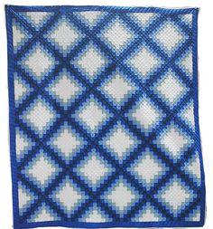 Double Irish Chain quilt with gradated blue fabrics | Ohio Mennonite