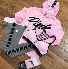 Super fitness outfits pink shoes ideas Source by fashion pink Teen Fashion Outfits, Sporty Outfits, Swag Outfits, Athletic Outfits, Trendy Outfits, Fall Outfits, Victoria Secret Outfits, Victoria Secret Rosa, Victorias Secret Clothes
