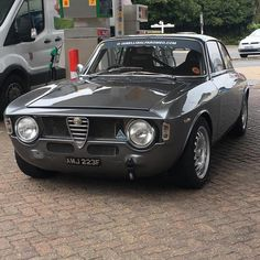 Classic Car News Pics And Videos From Around The World Alfa Romeo Junior, Alfa Romeo Gta, Alfa Gta, Classy Cars, Sexy Cars, Alfa Bertone, Classic European Cars, Automobile, Sport Cars