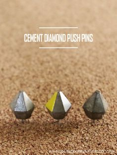 How to make geometric (diamond shaped) concrete / cement push pins for a cork board, above your desk. Quick Crafts, Diy Crafts For Kids, Craft Ideas, Diy Office Desk, Concrete Projects, Concrete Cement, Diy Home Decor Projects, Craft Gifts, Cool Things To Make