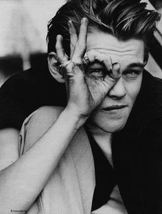 <b>Alternate title: Leonardo DiCaprio being adorable.</b> Just because it's Monday and you should start your week off right.