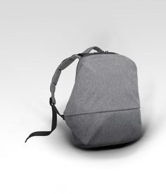 A characteristically minimalist and organic Côte&Ciel bag, created in the search for an advanced look inspired by the biotic forms found in nature. The Meuse is a reinvention of the classic backpack for the now. Aimed at those who reject the last decade's fixation with retro and want to wear their embrace of super-modernity on their back. The clean lines conceal a deceptively large main compartment, external pocket, waterproof zips, iPad pouch and 15' laptop pouch. ...