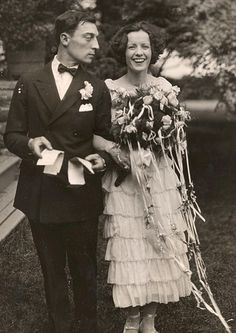 Buster Keaton and Natalie Talmadge on their wedding day.  May 31, 1921 film, vintage weddings, wedding bouquets, the dress, movie stars, marriage, bride, actresses, buster keaton