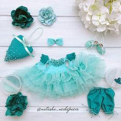 1 million+ Stunning Free Images to Use Anywhere Baby Doll Clothes, Crochet Baby Clothes, Barbie Clothes, Tiny Dolls, Soft Dolls, Doll Dress Patterns, Clothing Patterns, Baby Dress Design, Doll Wardrobe