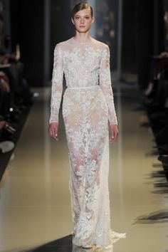 Designer Elie Saab presented a stunning collection of feminine, intricate gowns in pastel colours in Paris on Haute Couture fashion week. Elie Saab Bridal, Bridal Gowns, Wedding Dresses, Lace Dresses, Club Dresses, Dress Lace, Lace Wedding, Elie Saab Couture, Style Couture