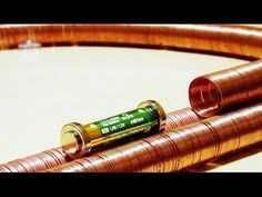 How to Create an Extremely Simple Electric Train Using Copper Wire, Magnets, and a Battery