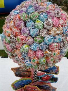 DUMDUM Delight! If we have a lot of kids attending, put this at the end of the cupcake bar