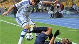 Nenê (Paris Saint-Germain FC) & Denys Garmash (FC Dynamo Kyiv) | Dynamo Zagreb 0-2 PSG. 21.11.12.