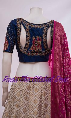 Shop for a variety of blouses in high neck, sleeveless, boat neck, sleeveless, embroidered & more online. Choli Designs, Lehenga Designs, New Saree Blouse Designs, Fancy Blouse Designs, Blouse Designs Wedding, Latest Blouse Designs, Indian Blouse Designs, Indie Mode, Designer Blouse Patterns
