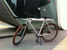 The world's first intelligent commuter bike, the VANMOOF Electrified combines GPS tracking, smart power control and a lightweight, integrated battery. GetdatGadget.com/vanmoof-electrified-worlds-first-intelligent-bike/