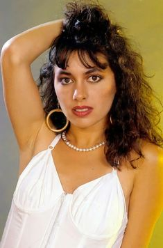 Susanna Hoffs, Rock And Roll, Red Carpet, Bangles, Hoop Earrings, Tape, Music, Fashion, Musica