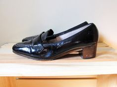 vintage shoes loafers 1960s selby black heels by diaphanousvintage