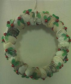 Clam shell and seaglass wreath Sea Glass, Sea Shells, Christmas Wreaths, Clam, Holiday Decor, Projects, Home Decor, Christmas Garlands, Log Projects