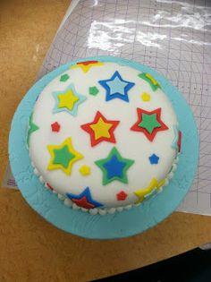 Kyla's Cupcakes: Fondant birthday cake with stars