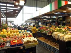 Kleinmarkthalle: fresh food. From Germany or more exotic...