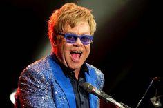 """Elton John causa confusão ao dizer que Jesus é """"pró-gay"""""""