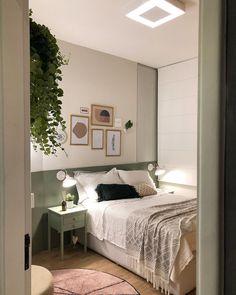 metallic home decor Home Bedroom, Bedroom Wall, Bedroom Decor, Fashion Room, Home Decor Furniture, New Room, Interior Design Living Room, Room Inspiration, Hipster Decor