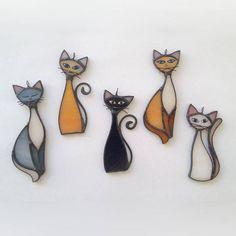 Ces colliers de verre teinté de beau chat ont différentes options de couleur, de taille et de conception. Dimensions : Largeur (w) : 3 cm/2,561 Hauteur (h) : 9 cm/1,18 Information produit : Ce produit spécialement conçu a été fait entièrement par artisanat selon la technique du vitrail