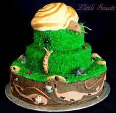 My Sister's favorite Bug, Slug, Snail Cake! Bug Birthday Cakes, Birthday Ideas, King Birthday, 8th Birthday, Snail Cake, Grass Cake, Bug Cake, Cake Day, Crazy Cakes