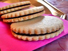 Ma Cuisine Végétalienne: Sablés fourrés au chocolat (Vegan)