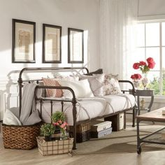 Home metal daybed bedroom ideas guest related post small . Daybed In Living Room, Daybed Room, Living Room Decor, Bedroom Decor, Bedroom Ideas, Bedroom Interiors, Bedroom Designs, Office With Daybed, Metal Daybed