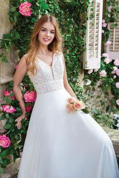 Sweetheart Gowns - Style V-Neck A-Line Dress with Full Chiffon Skirt Sleek Wedding Dress, Affordable Wedding Dresses, Bridal And Formal, Wedding Dress Trends, Bohemian Wedding Dresses, Bridal Wedding Dresses, Dream Wedding Dresses, Trendy Wedding, Vintage Rosen