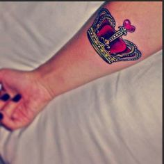 Love this crown tattoo♥♡