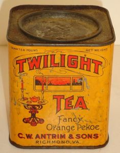 Old Kitchen, Vintage Kitchen, Tea Tins, Coffee And Books, Vintage Tins, Tin Boxes, Kitchen Utensils, Lettering Design, Canisters