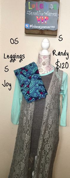 I love this outfit and totally would buy it and wear it with those leggings!!