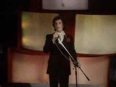 Roberto Carlos - El gato que está triste y azul (1979) ¿Quién no se enamoró con esta canción? :-)