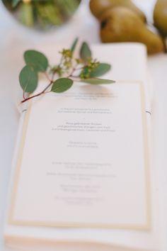 wedding stationary, menu card, gold herbs, pears, grapes, wedding Vienna, Austria photo: carmenandingo.com Wedding Menu, Wedding Stationary, Vienna Austria, Menu Cards, Pears, Planer, Place Cards, Place Card Holders, Romantic