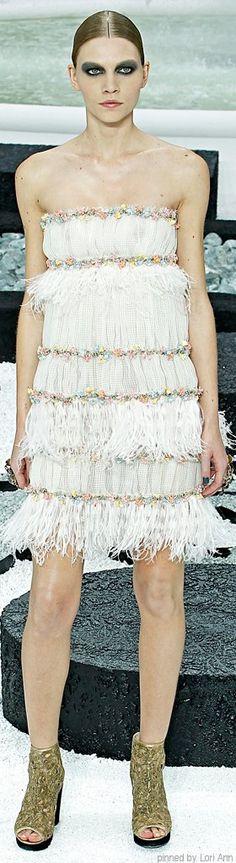 Chanel RTW SS 2011 #ChanelRTW #SpringSummer2011 Visit espritdegabrielle.com | L'héritage de Coco Chanel #espritdegabrielle