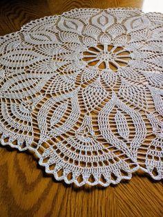 Hecho a mano blanco redondo crochet doily: Blosom Crochet Tablecloth Pattern, Free Crochet Doily Patterns, Crochet Placemats, Filet Crochet Charts, Crochet Books, Thread Crochet, Crochet Stitches, Crochet Dollies, Crochet Round