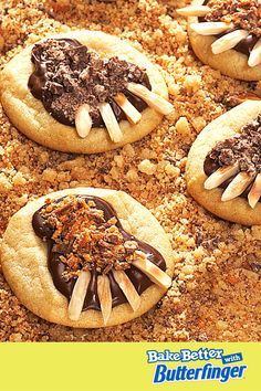 Scare up some Halloween fun with this frightfully tasty Monster Claw recipe. Click to buy! Halloween Deserts Recipes, Halloween Treats For Kids, Halloween Ideas, Halloween Party, Halloween Decorations, Holiday Foods, Holiday Recipes, Dessert Decoration, 31 Days