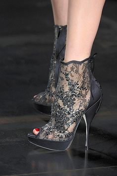 Lace heels ~ Style Trend ✿⊱╮