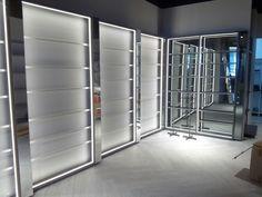 Montaje de mobiliario comercial en Canarias Divider, Room, Furniture, Home Decor, Shop Fittings, Bedroom, Decoration Home, Room Decor, Home Furnishings