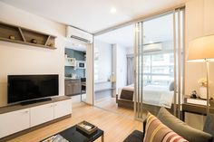 1 Bedroom Condo for rent in The Grass Condo – South Pattaya Fully furnished 1 Bedroom for rent in The Grass Condominium – Easy access location South Pattaya Road. Built in a kitchenette with a dark grey hard surface countertop and stainless-steel, single bowl above counter sink, fridge...